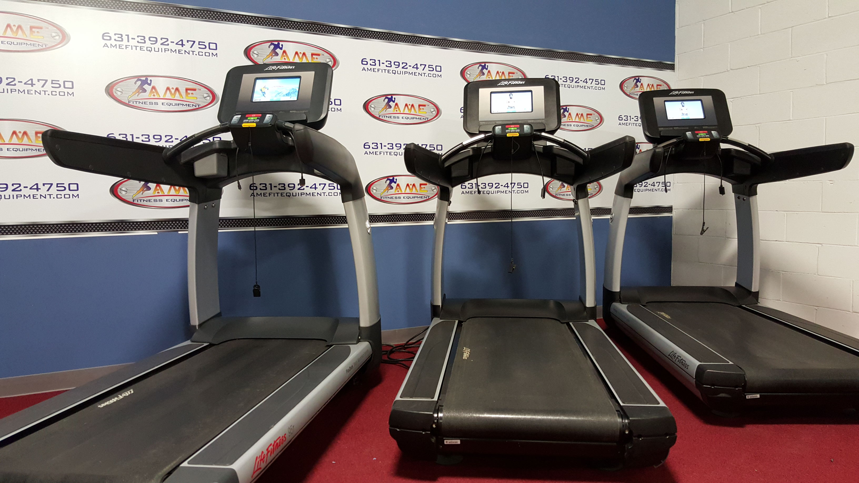 Life Fitness Discover Treadmill w/ SI Co...