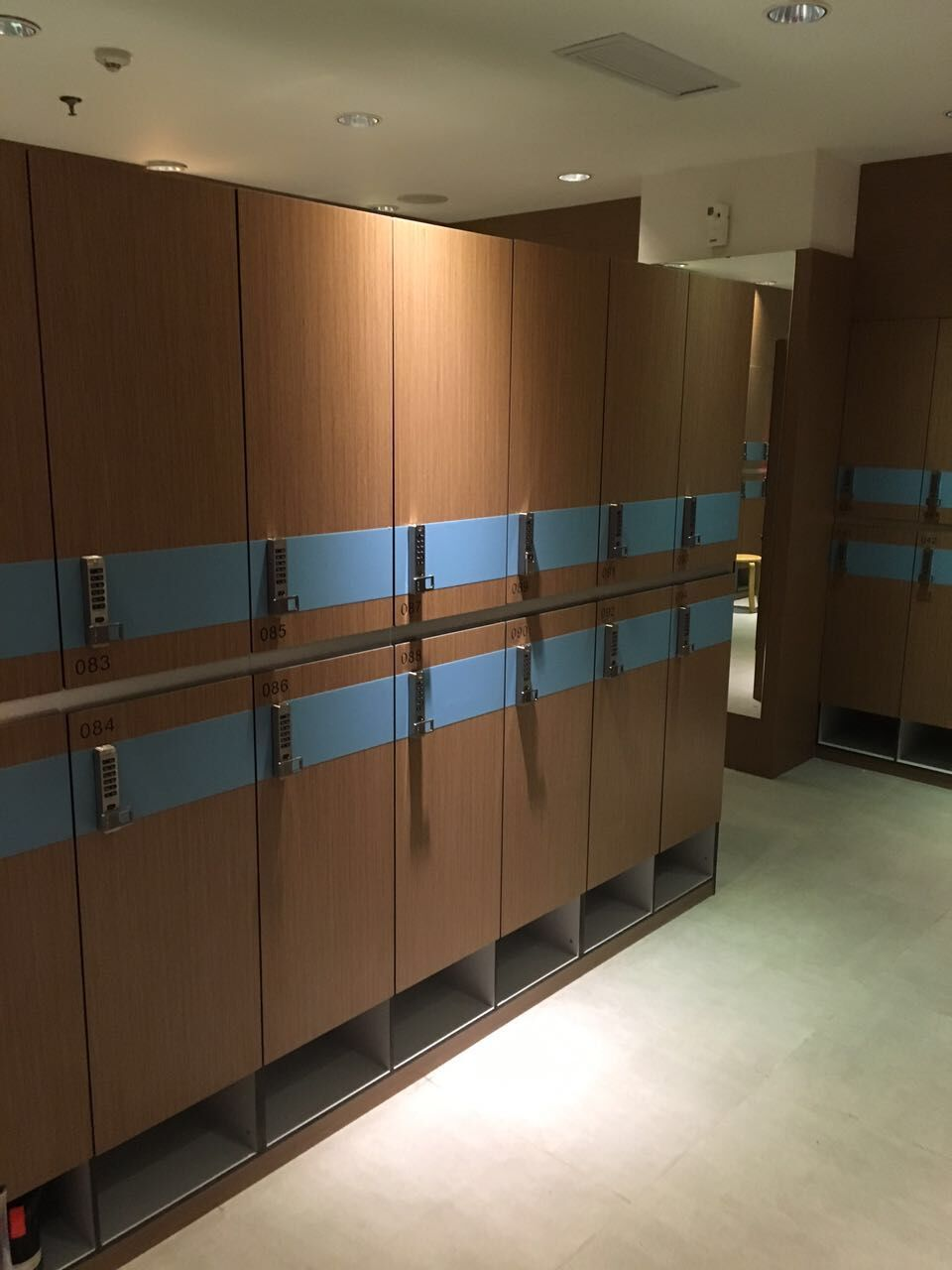 DEBO® HPL Locker design for male changi...